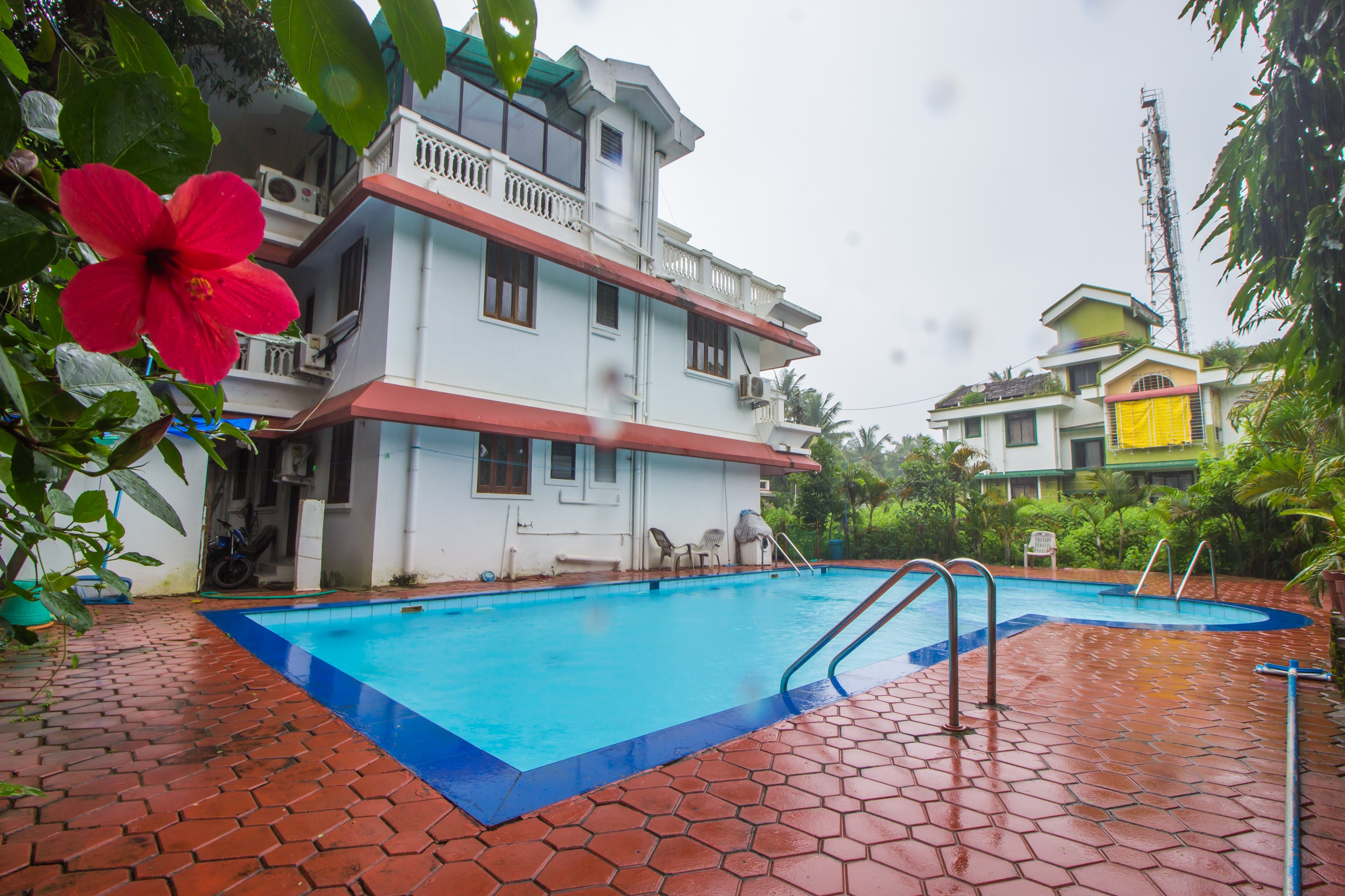 Hotel Gallarey OYO Home 18754 Pool View 1BHK