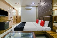 Capital O 2906 Hotel Radiance Deluxe