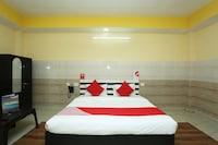 OYO 18817 Hotel Skyzone Madhuvan