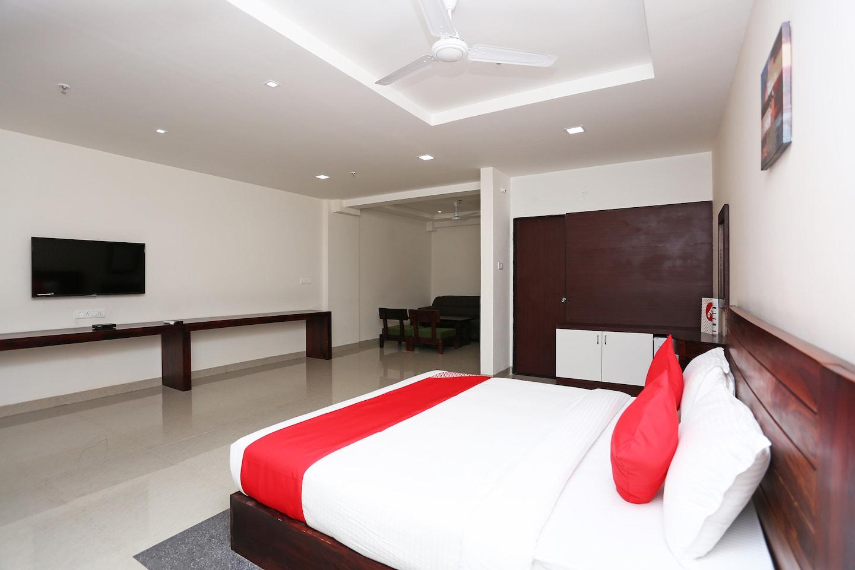 OYO 18826 Hotel Emerald -1