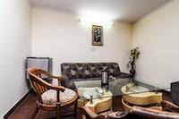 OYO 18829 Ratan Deep Suite