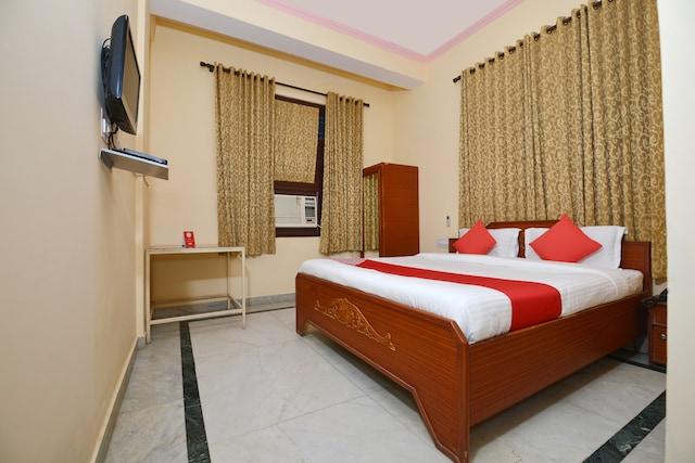 OYO 18830 Hotel Rampur Haveli