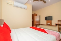 OYO 18836 Orchid Suites