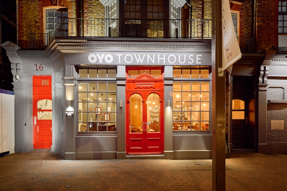 OYO Townhouse 16 Ilford Hill
