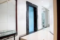 OYO 131 New Mg Hotel Indonesia