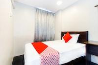 OYO 423 BMS Hotel