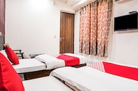 OYO 18895 Hotel Kartikay Grand Suite