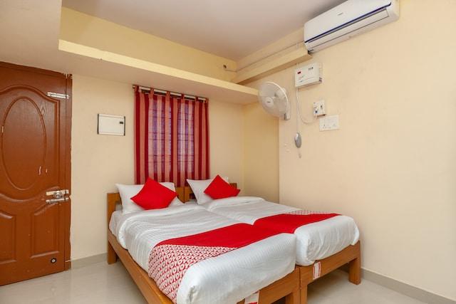 OYO 18908 Ram Residency