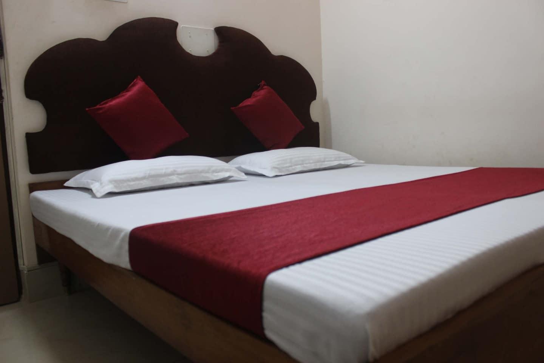 OYO 2922 Hotel Apsara -1