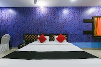 Capital O 18495 Hotel Blues Shivalik