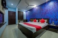 OYO 18495 Hotel Blues Shivalik