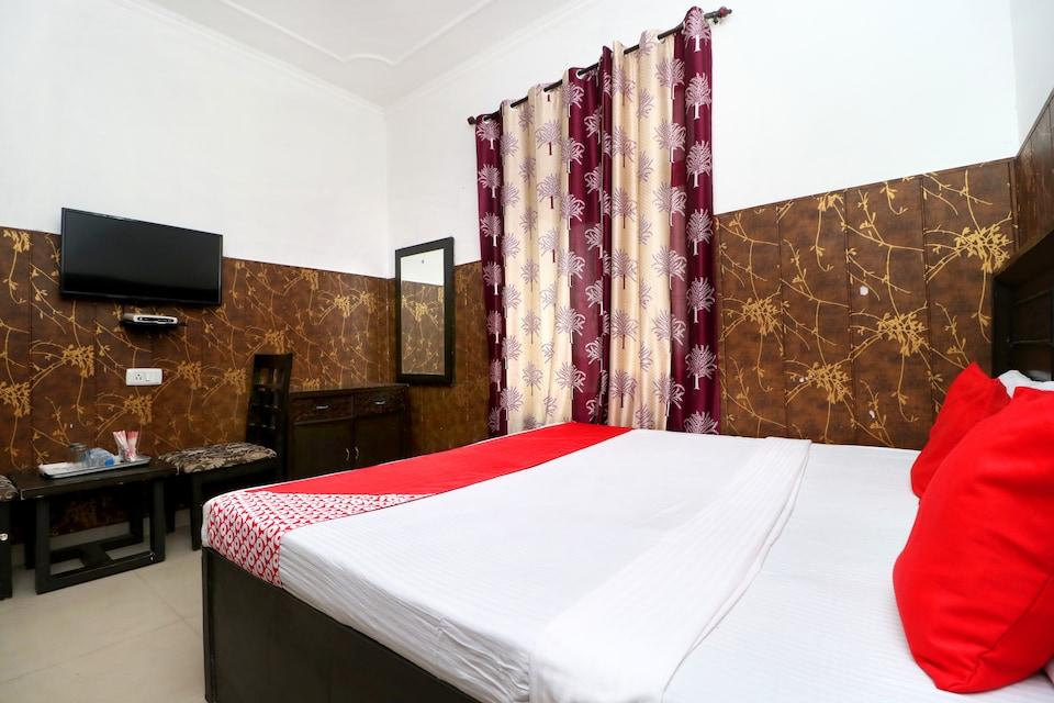 OYO 18943 Hotel Punjab Residency