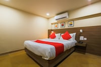 OYO 18951 City Xpress Hotel Rooms