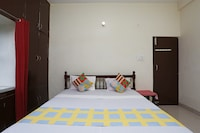 OYO Home 18975 Classic Stay