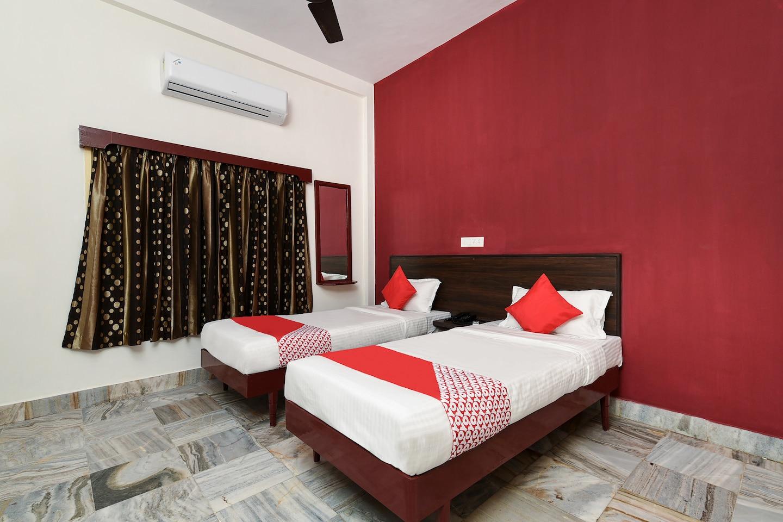 OYO 18993 Hotel Jyoti Swaroopa -1