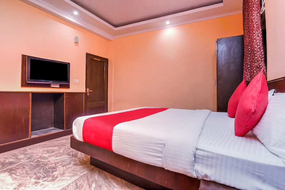 OYO 18997 Hotel Km International