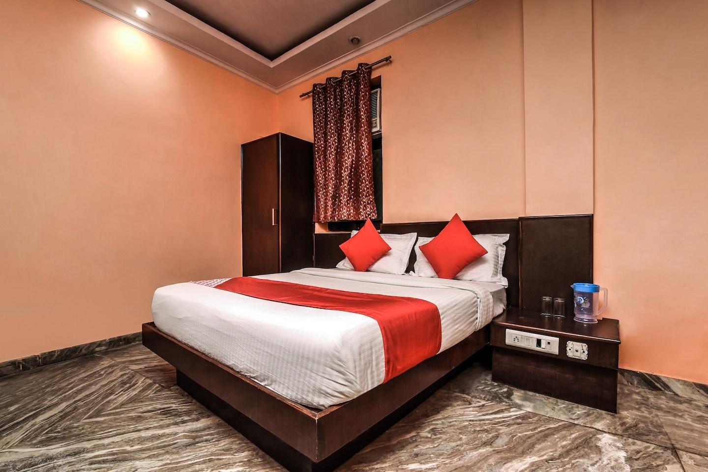 OYO 18997 Hotel Km International -1 ...