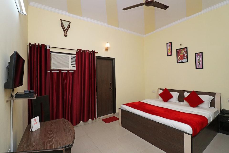 OYO 19002 Alpine Residency, Faridabad, Faridabad