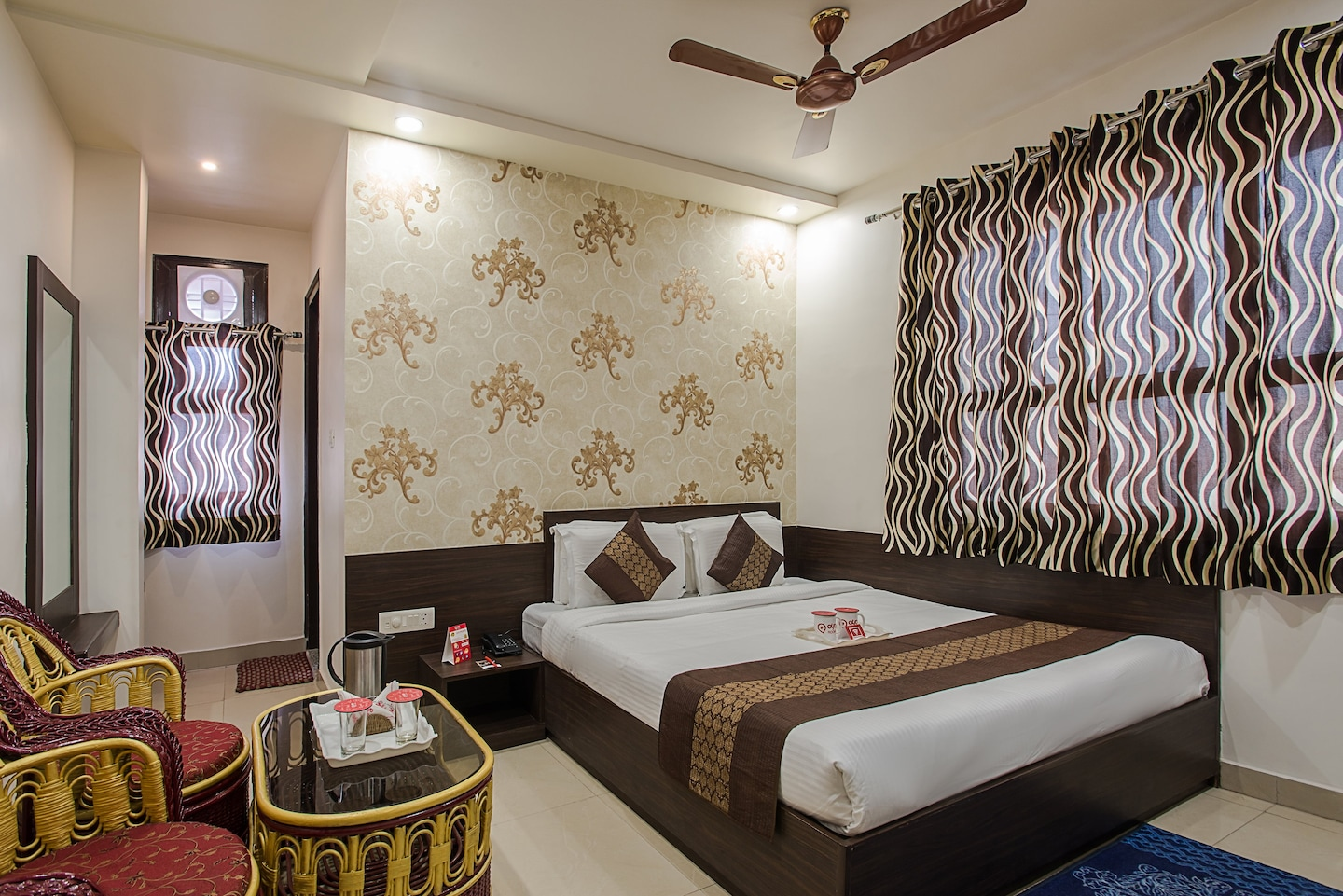 OYO Rooms 160 Sindhi Camp Metro Station Room-1