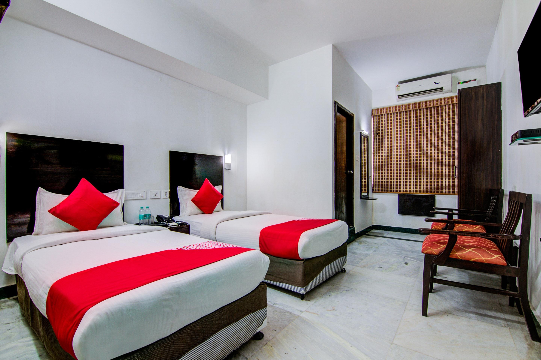 Book 3 Star Hotel Near Lifeline Hospital  Chennai