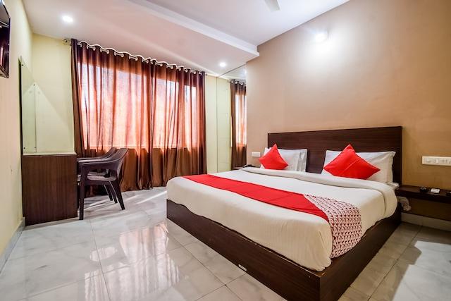 OYO 19032 Hotel Ambay Palace