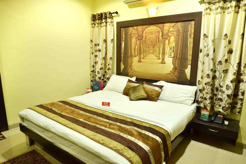 OYO 2933 Hotel Muskan Palace, Main Market Ujjain, Ujjain