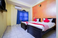 OYO 19121 V G Guest House