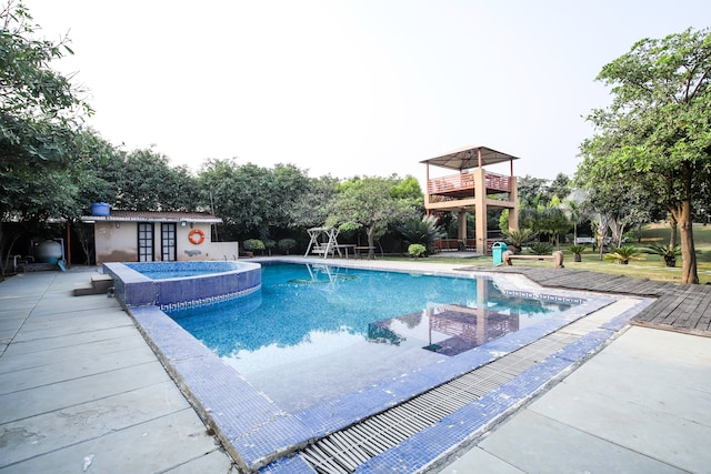 OYO 19137 Pool View 2BHK