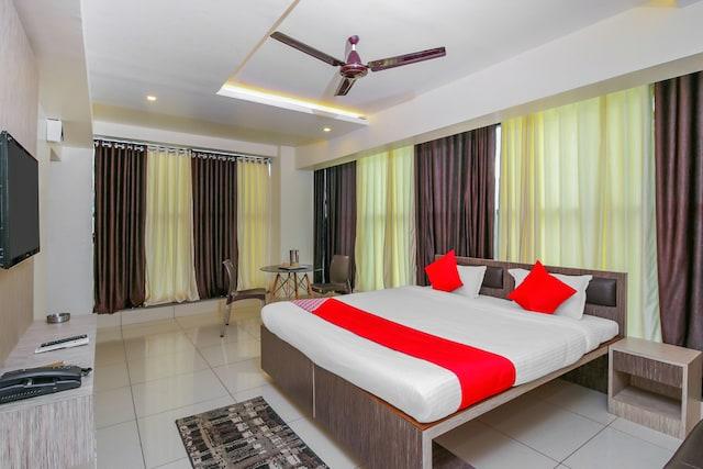 OYO 19321 Hotel Surya Comforts