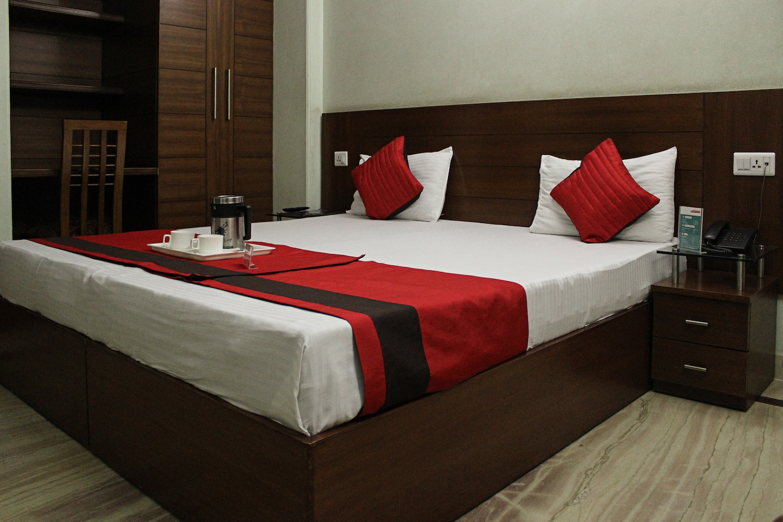 OYO 548 Hotel Indira International Inn -1