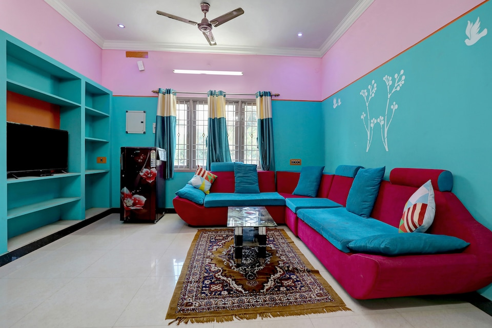 OYO 19345 Colourful 2BHK