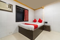 OYO 19353 Relax Guest House