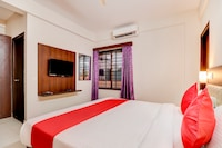 OYO 19358 Aster Suites