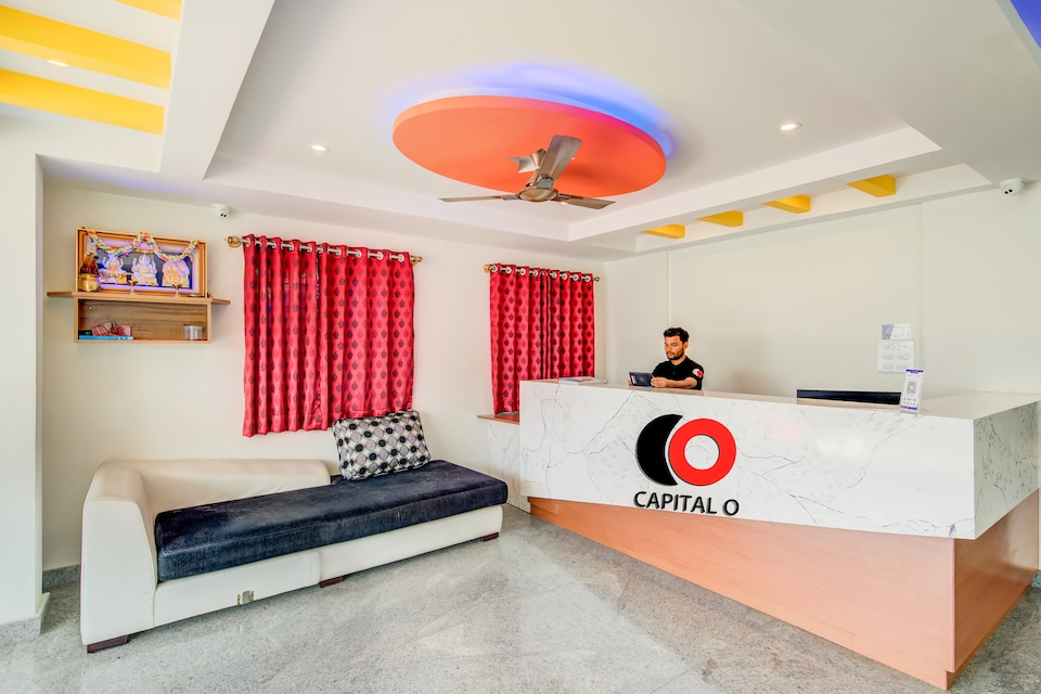 Capital O 19360 Sai Suites Inn