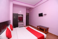 OYO 19406 Hotel Janta Palace