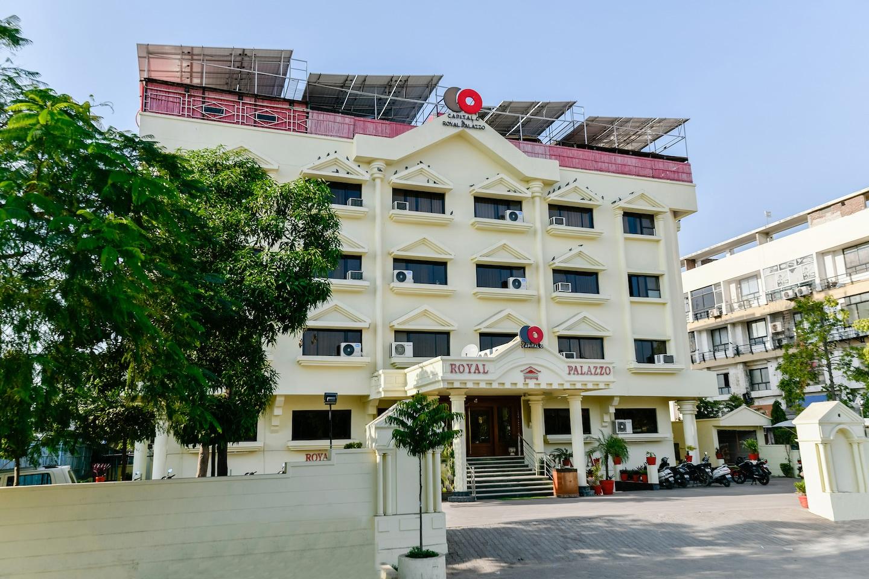 Capital O 19449 Hotel Royal Palazzo -1