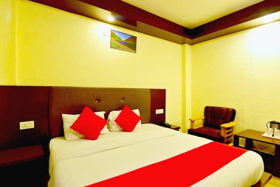 Capital O 19498 Hotel Tridev