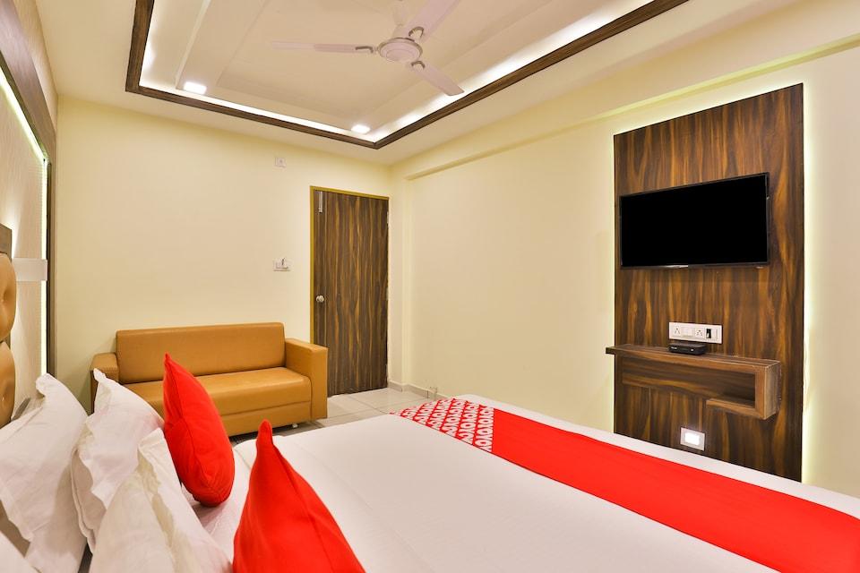 OYO 19501 Hotel Silver Palace, Kankaria-Maninagar Ahmedabad, Ahmedabad