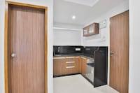 OYO 19586 Mb Service Apartment