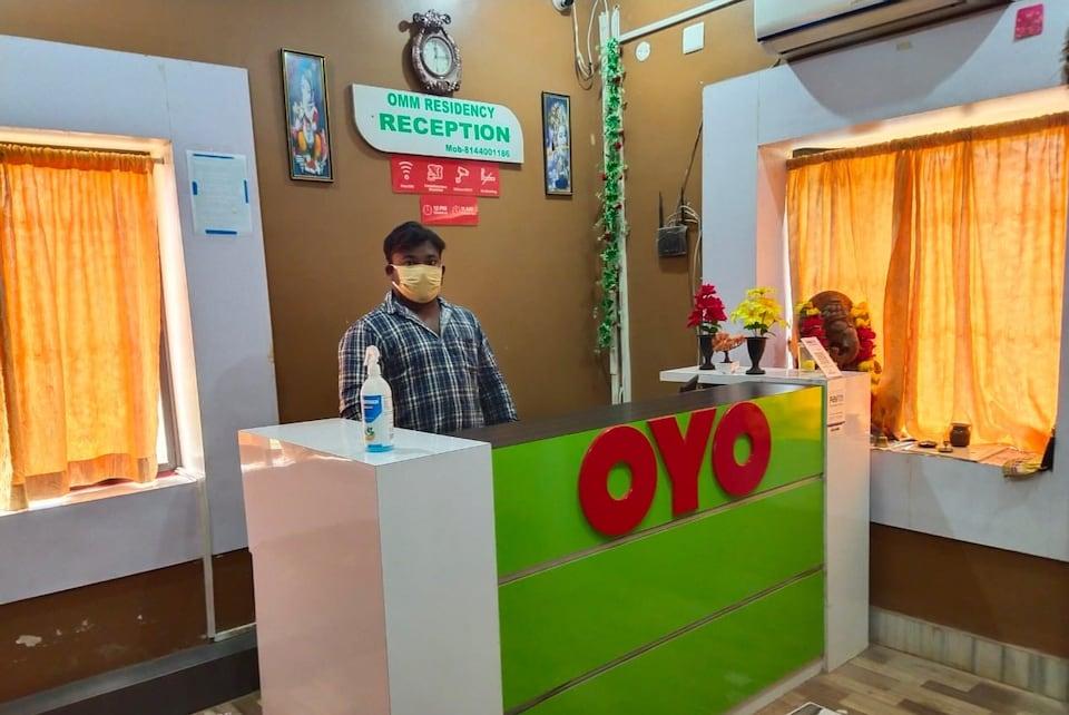 OYO 19602 Omm Residency