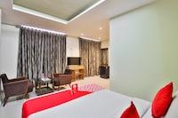 OYO 19637 Hotel Mansi Sherotene