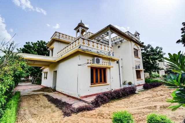 OYO 19702 Home Colourful Studio Pratapnagar