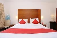 OYO 19742 Hotel Dona Castle