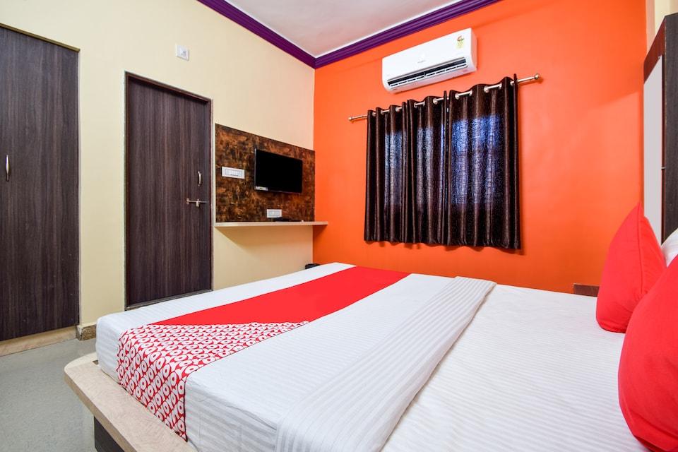 OYO 19758 Hotel Narayani Palace