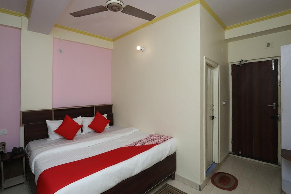 OYO 19804 Hotel Geet International