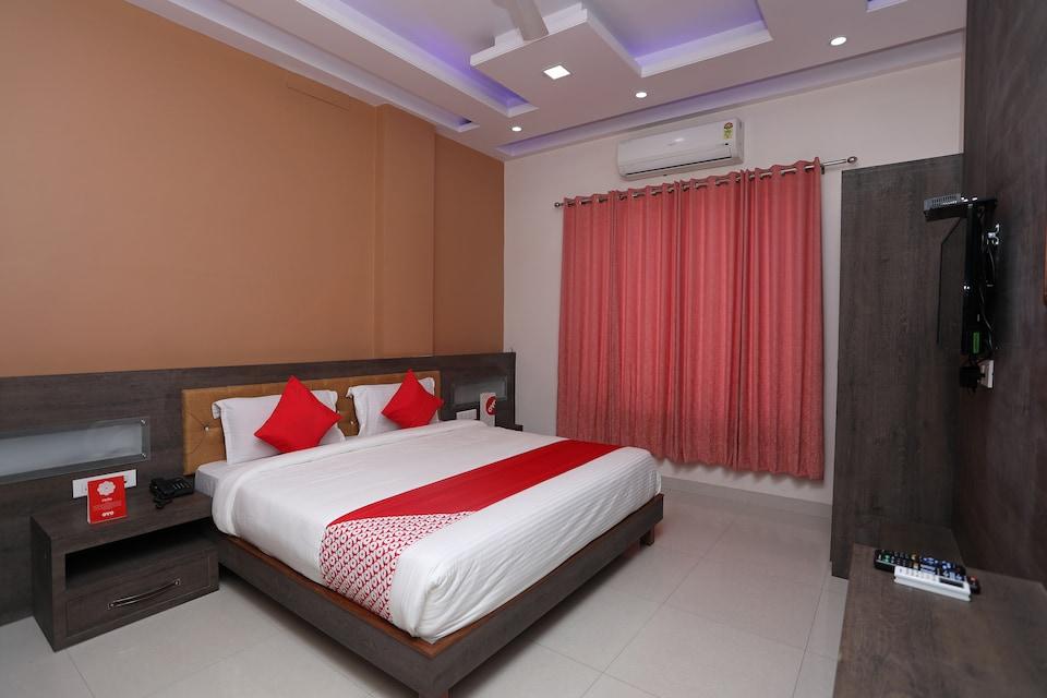 Capital O 19810 Golden Bagh Resort