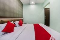 OYO 19832 Hotel New Mahatma