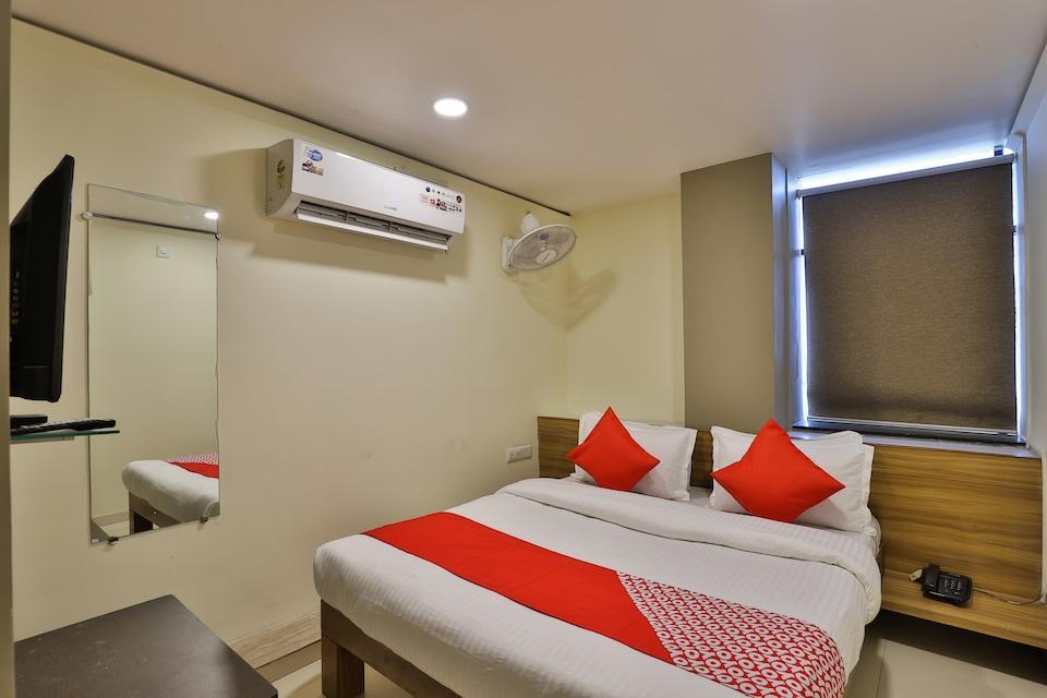 OYO 19842 Hotel Rudraksh Inn