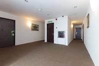 OYO 442 Marvelton Hotel
