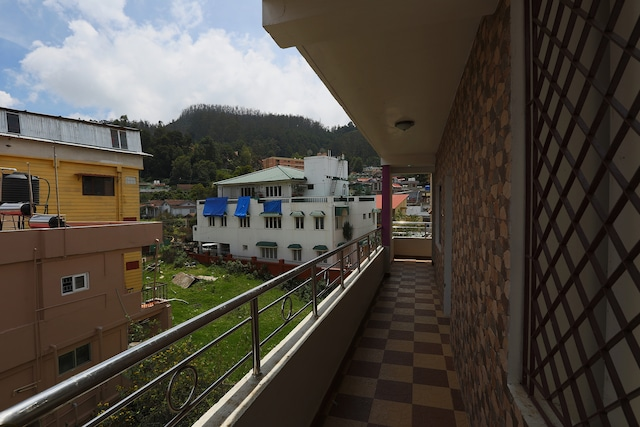 OYO 19919 Home Mountain View 2BHK Ooty Lake